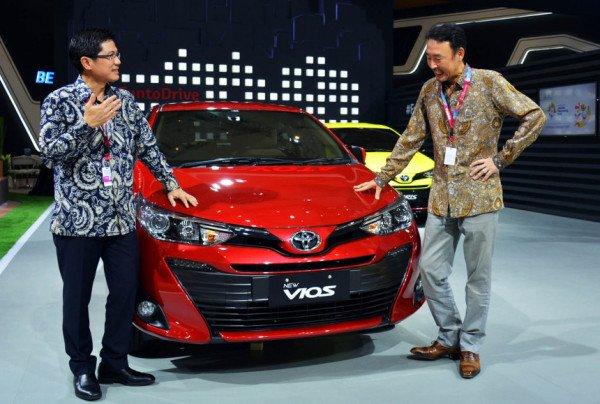 Beli Mobil Toyota Di IIMS Dapat THR