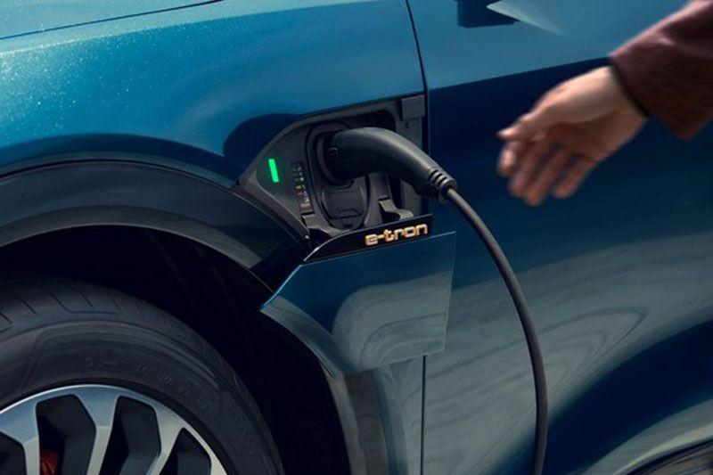 Audi e-tron Kena Recall Karena Segel Baterai Jelek
