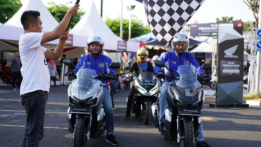 Pemilik ADV150 Eksplorasi Cirebon dan Kampanye Safety Riding