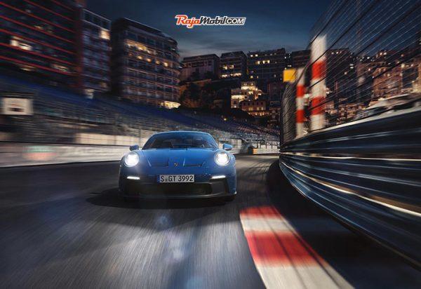 Porsche 911 GT3 dengan Keahlian Motorsport / Porsche 911 GT3 with Motorsport Expertise