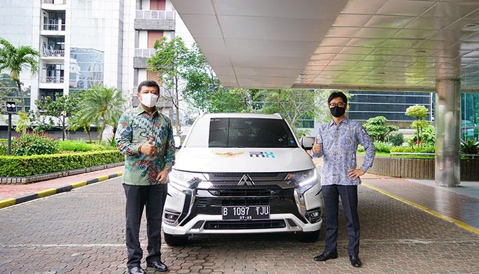 Peduli Vaksinasi, Mitsubishi Donasikan 3 unit Outlander PHEV