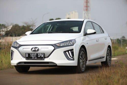 Simak Fitur-fitur Unggulan Hyundai IONIQ Electric di Sektor Kenyamanan dan Keselamatan
